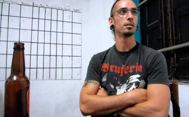 El acusado de matar a un hombre por llevar tirantes de España dejó tretrapléjico a un policía en 2006