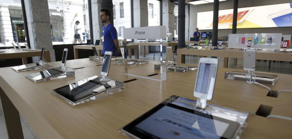 Detenida una menor que robó diez móviles a mordiscos en una tienda Apple en Madrid