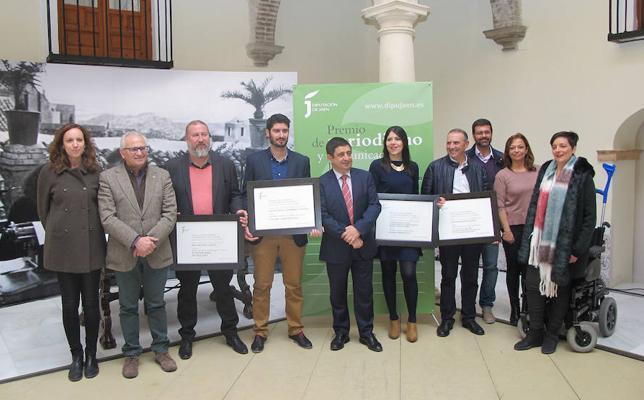 El periodista de IDEAL Miguel Ángel Contreras recibe el Premio de Periodismo en prensa escrita