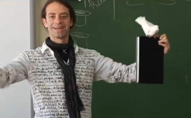 El genial profesor andaluz que hace trucos de magia, nominado a ser el mejor docente del mundo