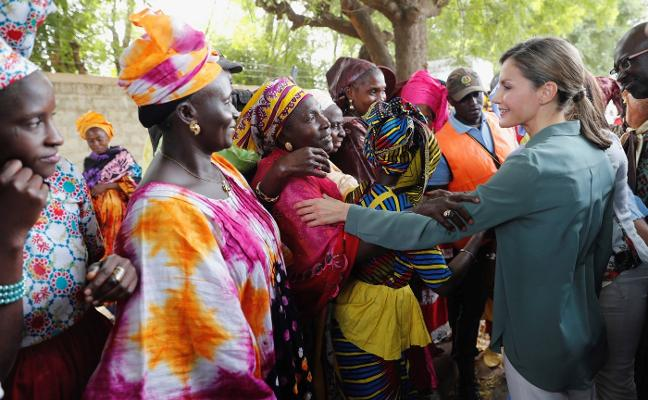 Así está siendo la visita solidaria de la Reina Letizia a Senegal