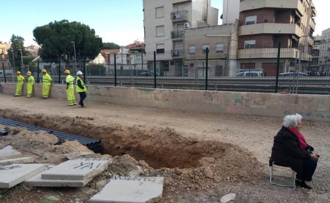 Ana, la abuela de Murcia que se ha convertido en una heroína por luchar por el soterramiento del tren