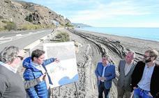 Un sendero conectará Castillo de Baños y La Mamola para evitar la carretera