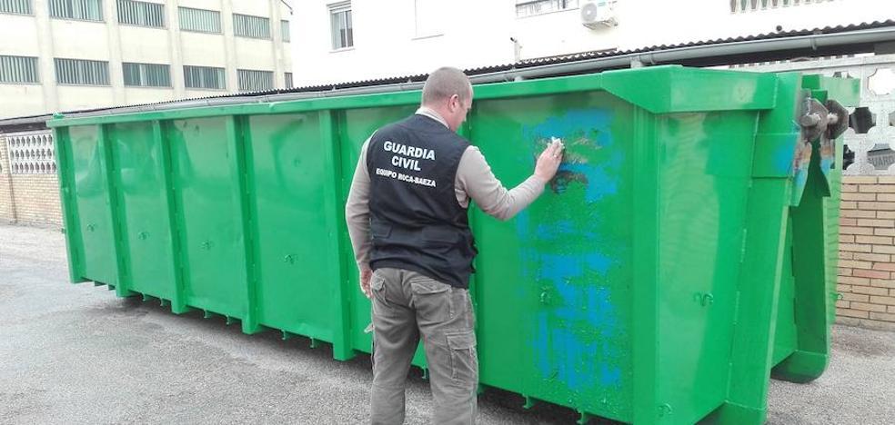 Lo pillan robando 6.000 kilos de aceituna en una cooperativa de Jaén