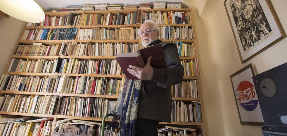 """""""La literatura molesta porque hace al hombre más valiente"""""""