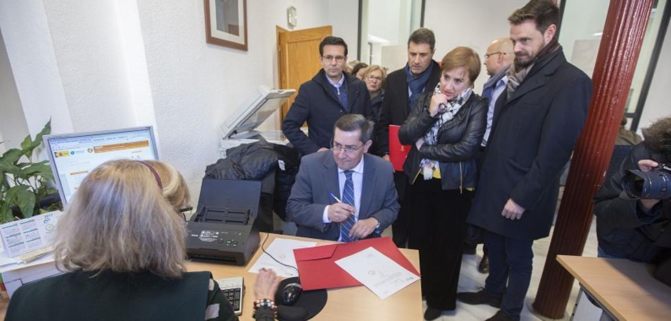 Alcaldes de Almería, Granada y Jaén se concentrarán ante el Ministerio de Energía por el eje Caparacena-Vera