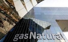 La CNMC expedienta a Gas Natural y Endesa por la subida de la luz del pasado invierno