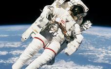 Muere Bruce McCandless, protagonista de una imagen icónica de la era espacial