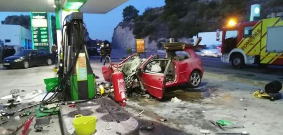 Una joven muere al chocar el coche que conducía su exnovio denunciado por maltratarla