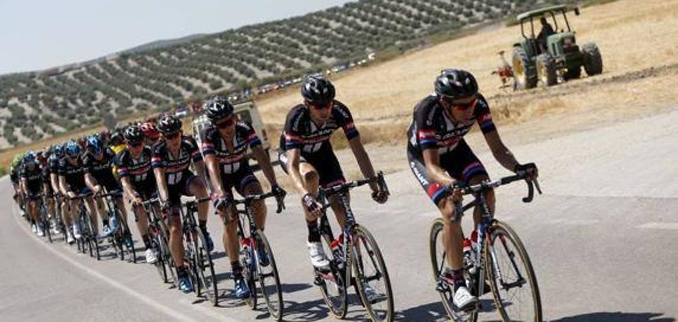 La Vuelta Ciclista volverá a Jaén en 2018 con final en Pozo Alcón e inicio de otra en Linares