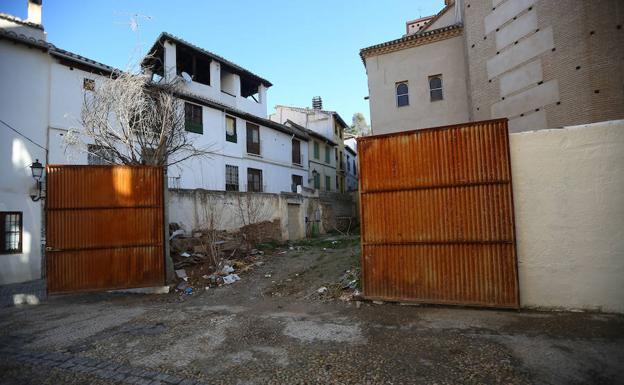 Situación en la que se encuentra el edificio protegido de Placeta de los Naranjos número 6.