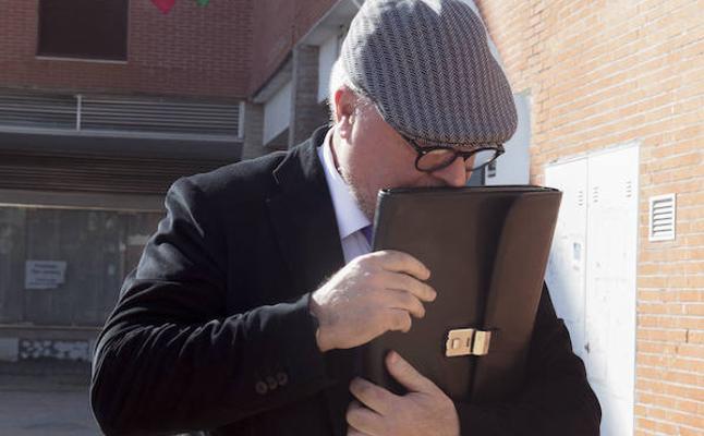 La Audiencia confirma prisión incondicional para los comisarios José Villarejo y Carlos Salamanca