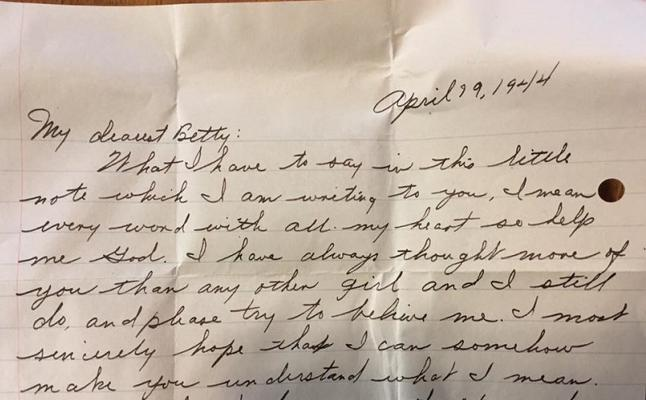 Encuentra en su casa una carta de amor de hace 73 años