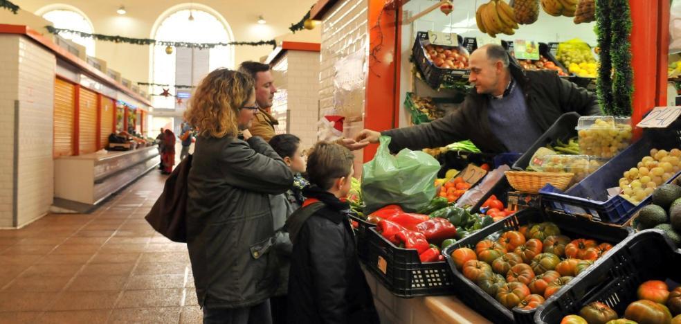 Las ventas aumentan esta Navidad en algunos puestos del mercado de abastos