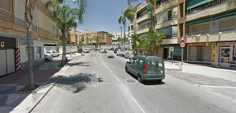 Sorprenden en Almuñécar a un conductor con documentos falsos y con un vehículo robado
