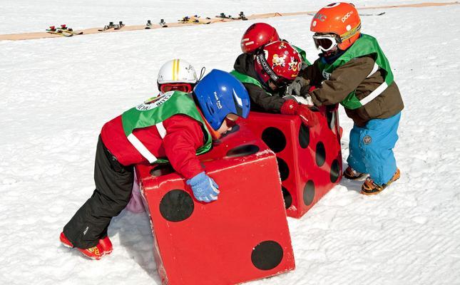 Candanchú, el placer de esquiar con niños