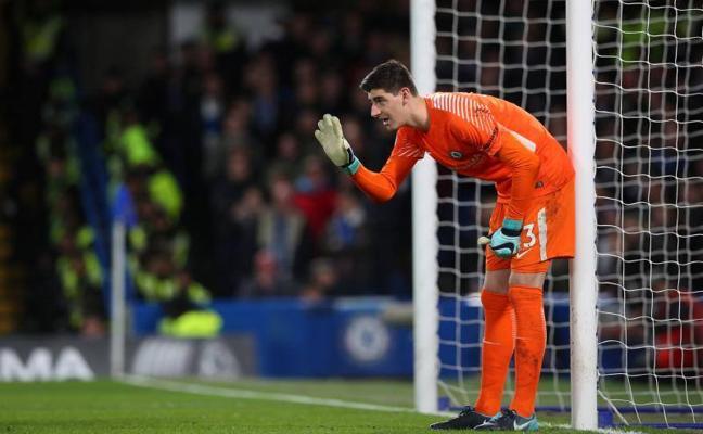 Conte cree que Hazard y Courtois seguirán en el Chelsea