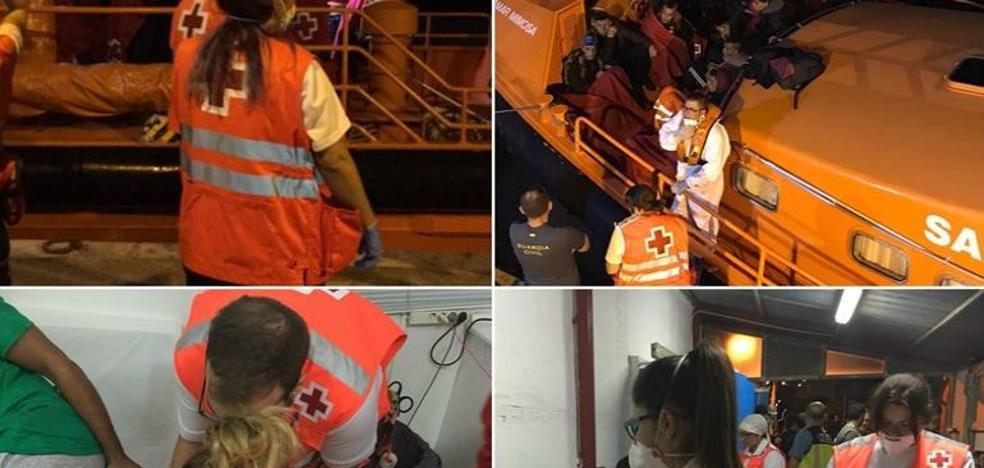 Cruz Roja atiende en 2017 a más de 3.800 inmigrantes llegados en patera a Motril
