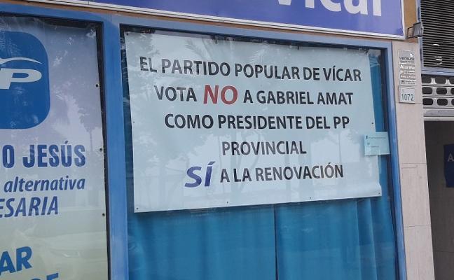 El PP expulsa a su portavoz en Vícar, que pasará al grupo mixto este mes