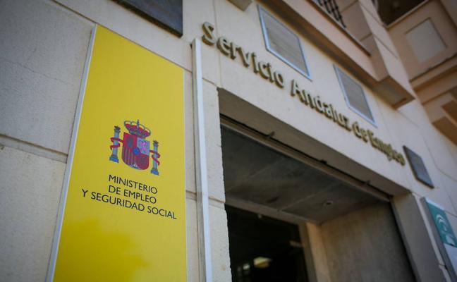 El paro baja en diciembre hasta las 58.716 personas en Almería