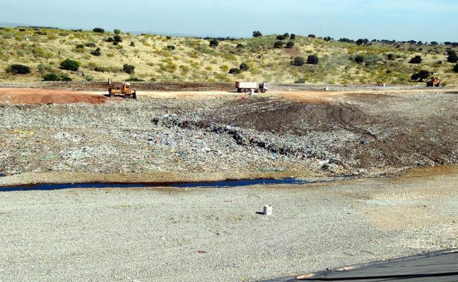 El parking de la planta de residuos del Guadiel duplicará su capacidad actual