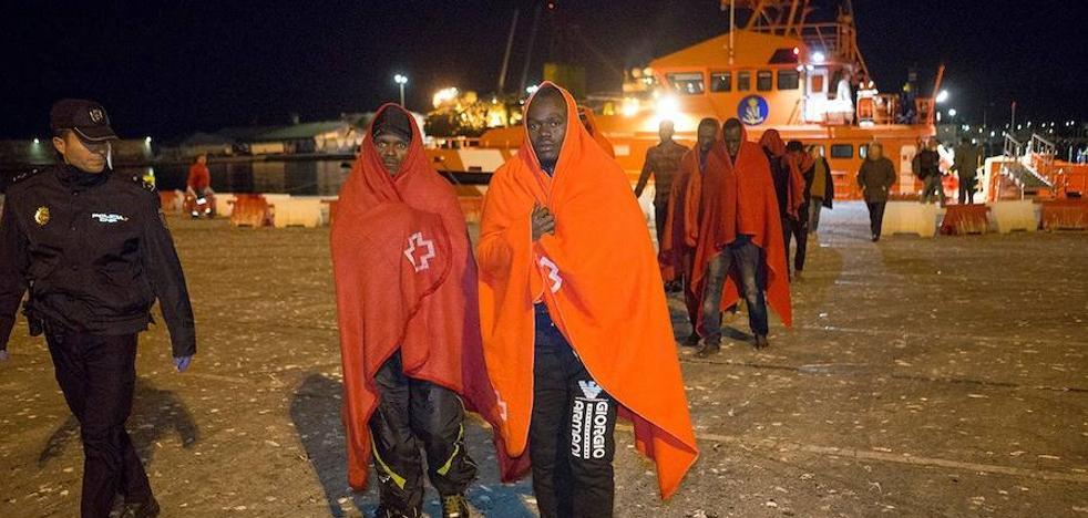 Las pruebas oseométricas confirman que dos de los últimos inmigrantes llegados a Motril son menores