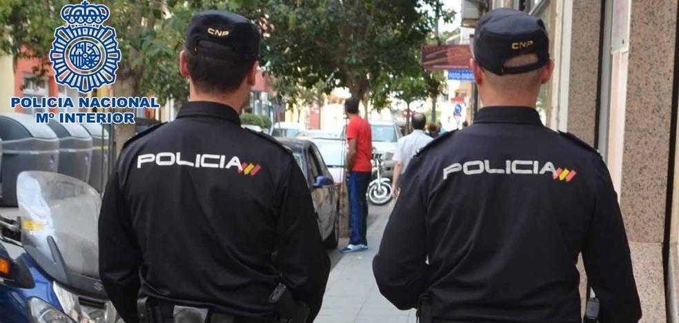Detenido un joven de 18 años en Granada cuando cambiaba la cerradura de una casa ajena