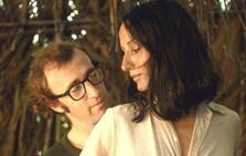 «A Woody Allen le obsesionan las adolescentes»
