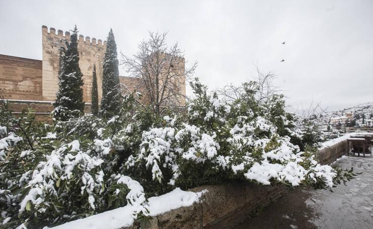 La estampa de la Alhambra nevada