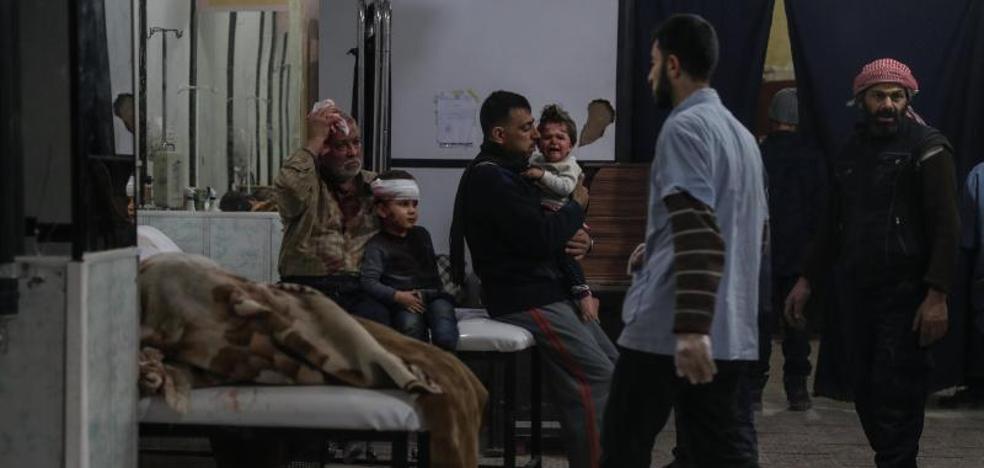 Decenas de muertos en Siria por una ola de ataques contra hospitales situados en zona rebelde