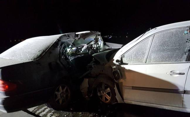 Una colisión entre dos coches deja cuatro heridos en Huércal-Overa