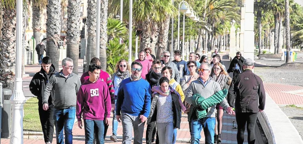 La renovación total de la playa de Poniente incluirá tres aparcamientos subterráneos