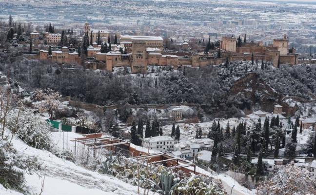 Así se ven los monumentos más bonitos de España de blanco