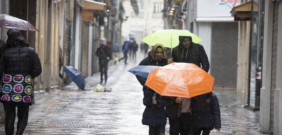 Los meteorólogos avisan: más lluvias fuertes y heladas en Granada y casi toda España desde hoy