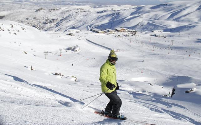 Sierra Nevada casi alcanza 70 kilómetros esquiables