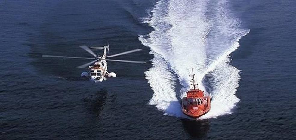 Una patera con 51 personas a bordo llega a la Isla de Alborán