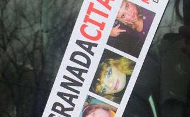 El Ayuntamiento de Granada lleva a la fiscalía unas octavillas que promocionan un mapa de citas