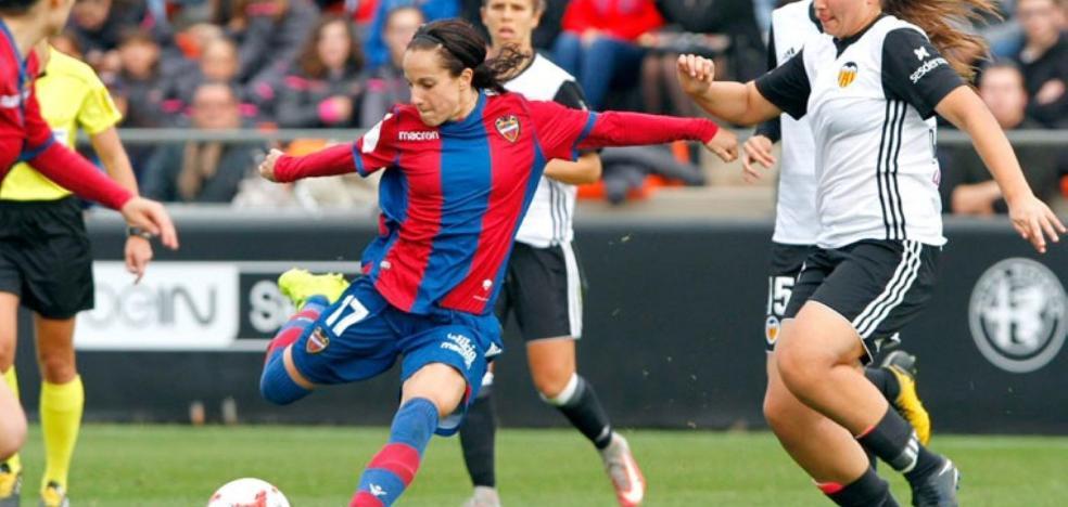 María Alharilla regresa a la selección nacional para jugar un amistoso