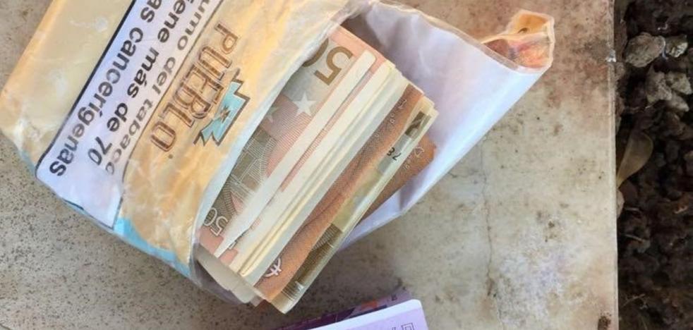 La Policía sorprende ahora con un iPhone al indigente al que intervino más de 18.600 euros
