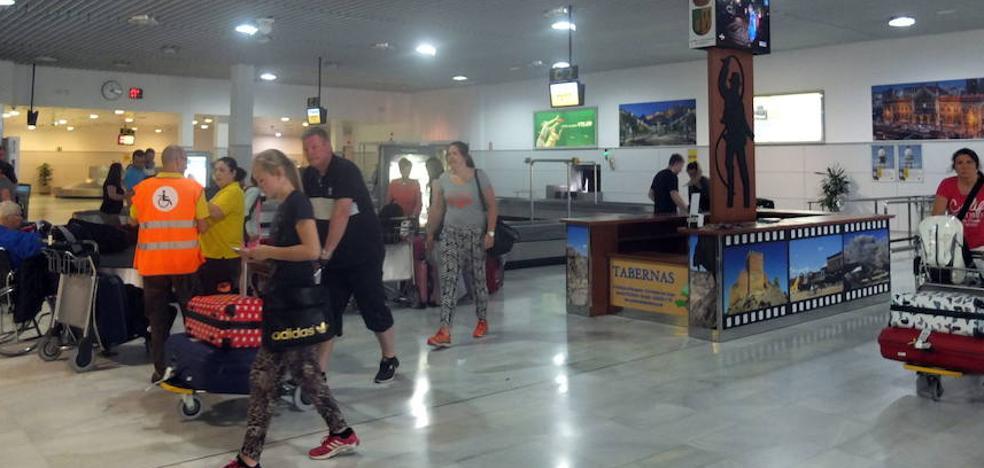 El Aeropuerto de Almería supera en 2017 el millón de pasajeros