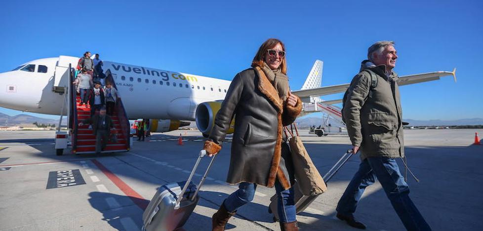 El Aeropuerto de Granada crece un 20% en 2017 y supera los 900.000 usuarios