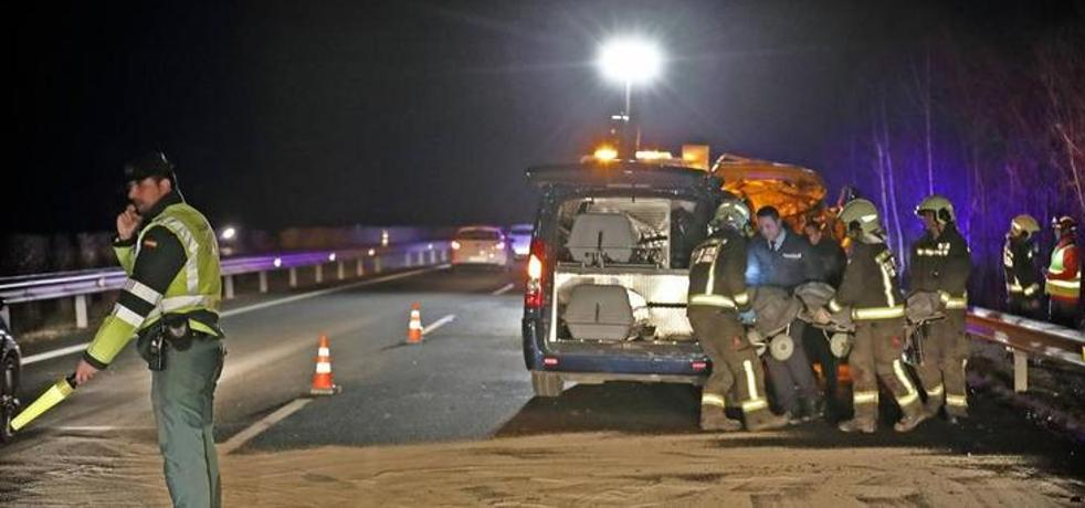 Tres fallecidos en una colisión frontal en la A-8 en Cantabria
