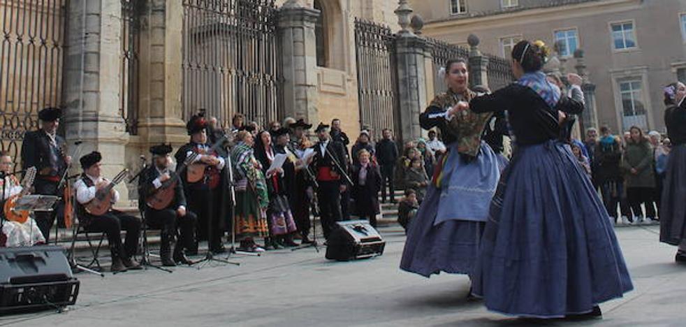 Ambiente de fiesta en Jaén por San Antón