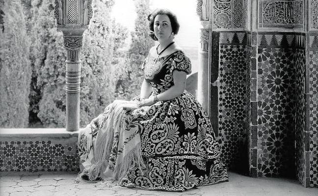Emilia Llanos, la mujer tras «la mujer que miraba los chopos encendidos»