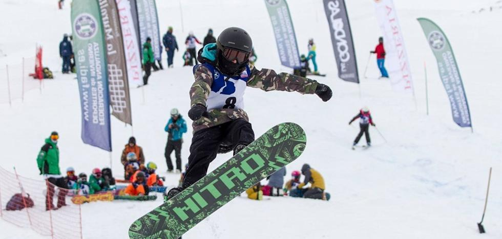 Sierra Nevada alcanza los 100 kilómetros esquiables con nuevas pistas en un día con nieve intermitente