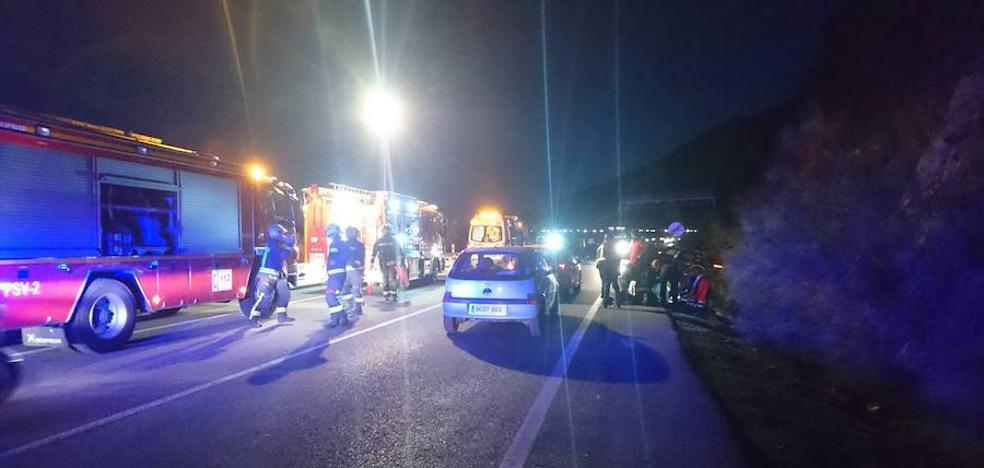 Accidente en la A-395 con al menos dos heridos, uno de ellos un niño