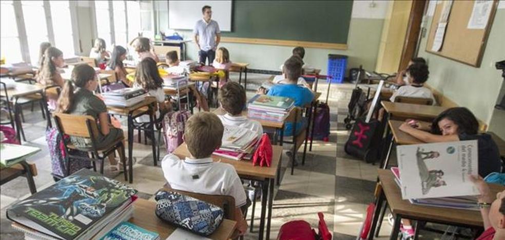 """""""Los maestros creen que no tienen autoridad. Hagamos un artículo 155 para que la recuperen: 'Los alumnos deben respetar siempre a sus 'profes'…"""""""