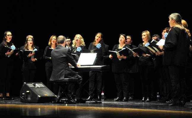Danza y música a beneficio de la parroquia de la Santa Cruz de Linares