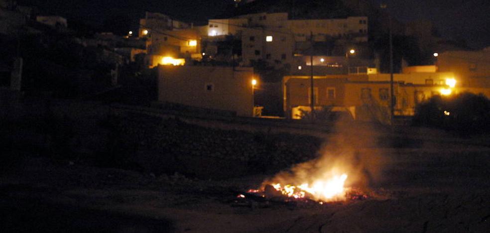 El Casco Histórico celebra esta noche las hogueras de San Antón