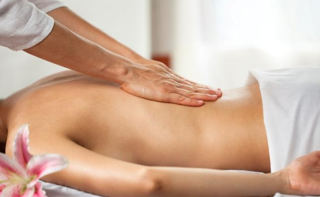 """Un masajista abusó de dos clientas que contrataron un """"masaje de autor"""""""